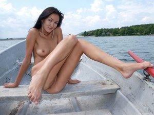 Rusya  On The Same Boat  Aztek  68 Imagesi0rtn8opoy.jpg