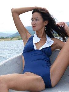 Rusya  On The Same Boat  Aztek  68 Imagesm0rtn78waa.jpg