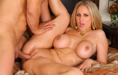 Порно фото с julia ann