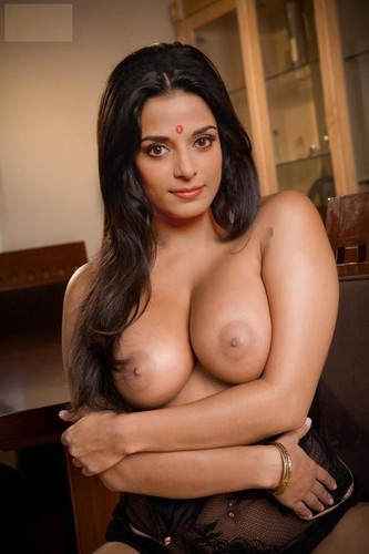 pooja sharma boobs