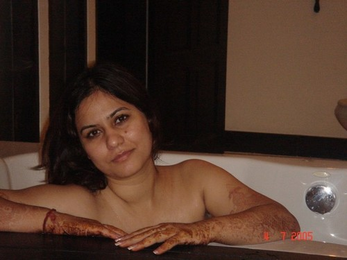hot desi woman bathing