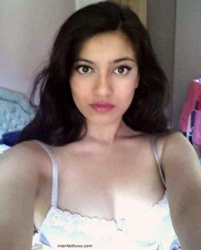 sexy desi babe