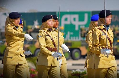 sexy pakistani soldiers